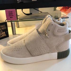 Adidas Tubular Invader strap /high top shoes